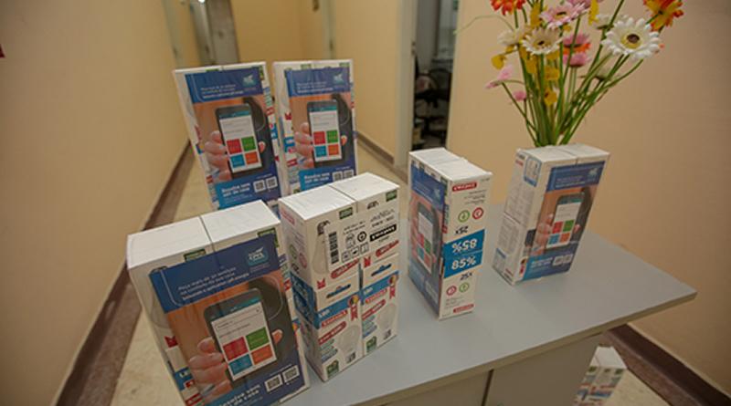 Famílias de Praia Grande são beneficiadas com entrega de kits de lâmpadas pela CPFL Piratininga