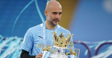 Guardiola é eleito técnico do ano na Inglaterra