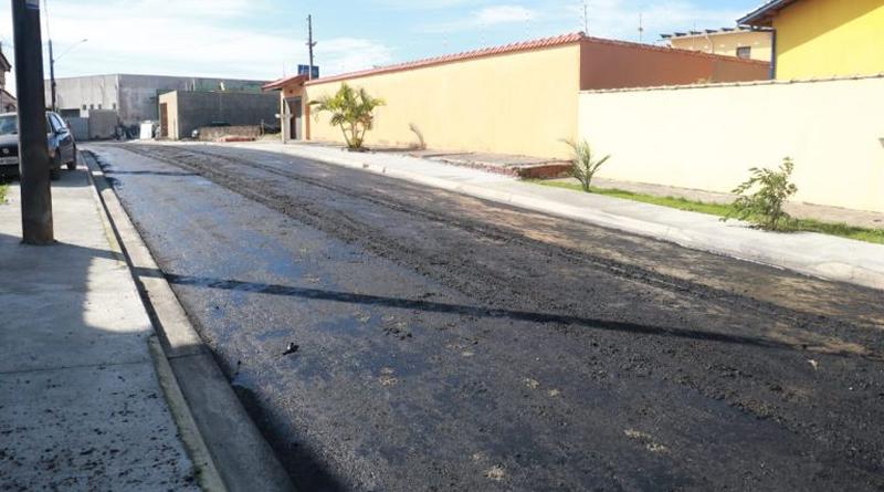Obra de pavimentação continua na Nova Peruíbe