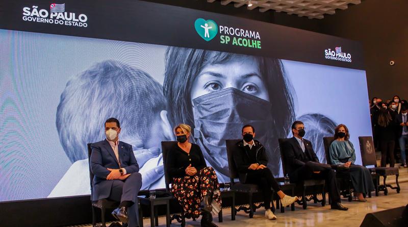 Governo de São Paulo anuncia auxílio de R$ 300 a parentes de vítimas da COVID-19