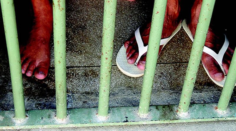 TJ-SP suspende vacinação prioritária de população carcerária