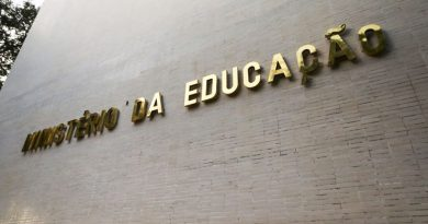 MEC abre novas vagas em curso para professor de alfabetização