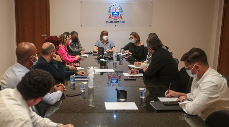 Prefeita de Praia Grande reúne secretários e orienta sobre a busca por investimentos para a Cidade