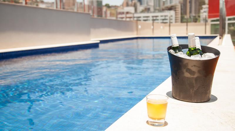 Para o Dia Internacional da Cerveja, Booking.com apresenta os destinos mais recomendados pelos brasileiros para degustar uma gelada