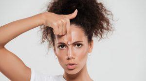 5 mitos e verdades sobre a cirurgia que diminui a testa