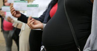 Câmara aprova retorno de gestantes vacinadas ao trabalho presencial